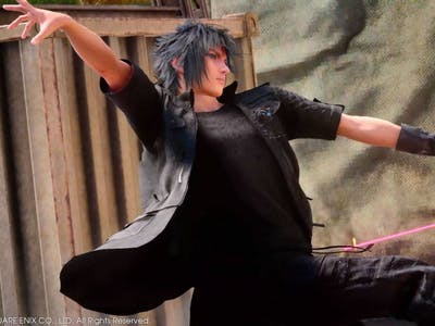 15 of the Goofiest Prompto Photos From 'Final Fantaxy XV'
