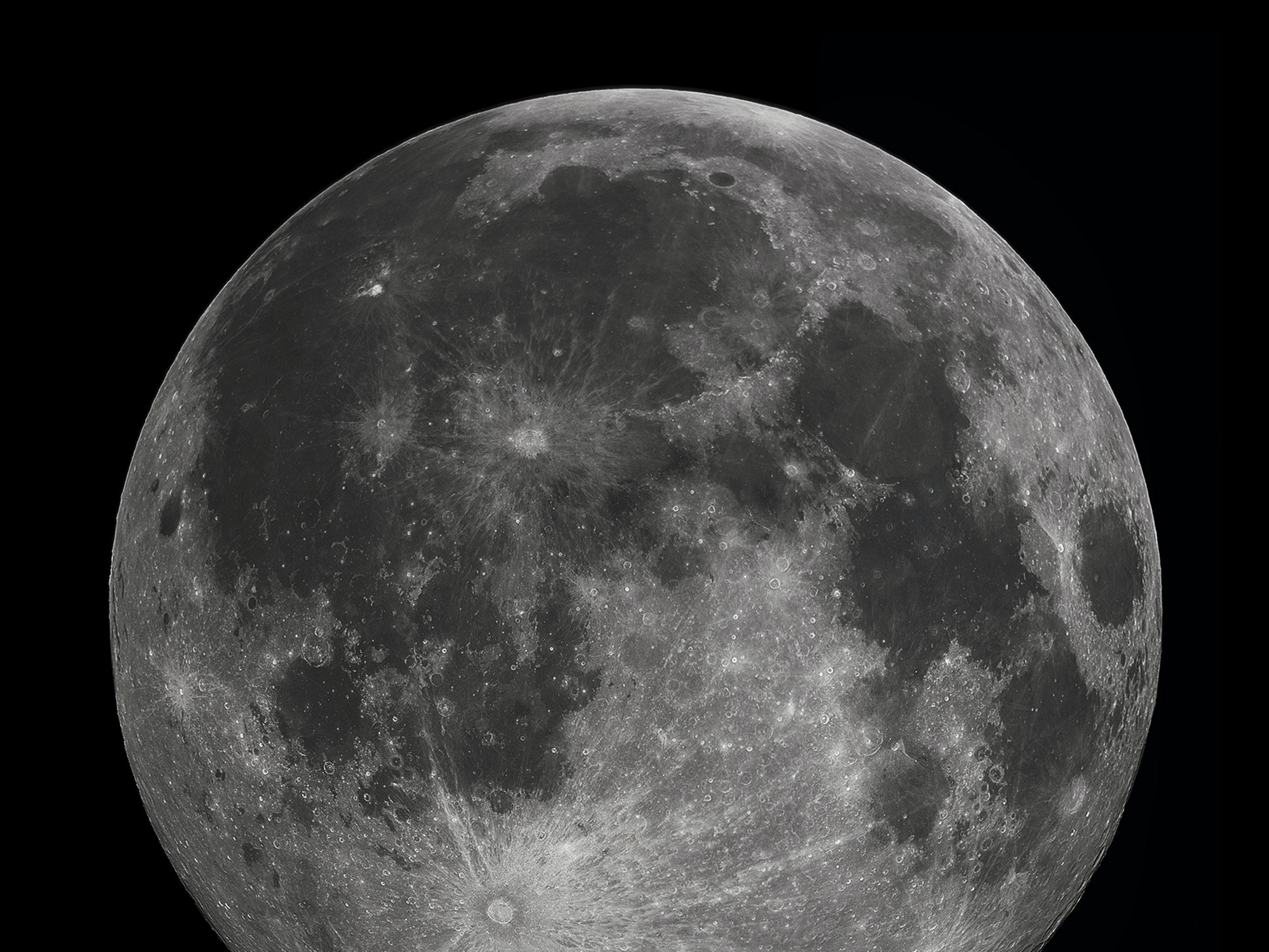 A full moon in 2010