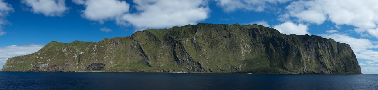 Inaccessible Island Panorama (Large)