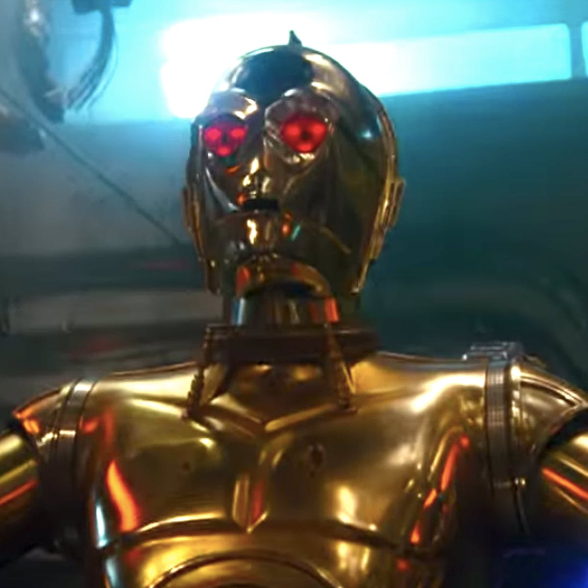 'Star Wars 9' Theory Connects Evil C-3PO to a Terrifying Sith Ghost