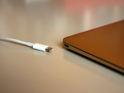 Apple, Google Devices Won't Fry When Connected to USB-C Chargers Anymore