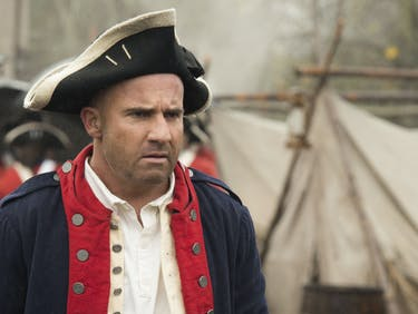 Two Legends of Tomorrow Hook Up During the Revolutionary War