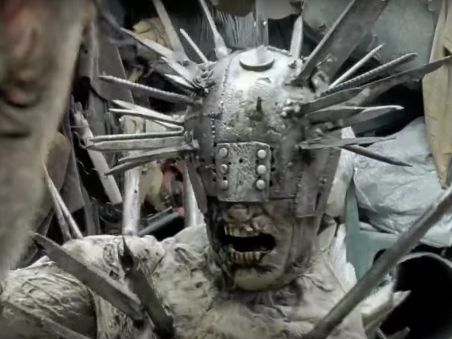 In 'The Walking Dead', Rick Fights That Sick Armored Zombie