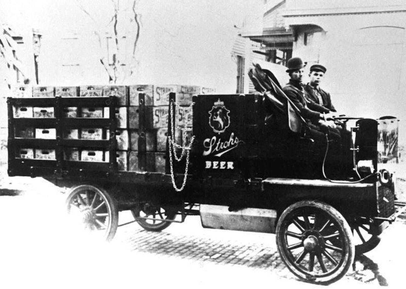 An Electric Wagon Used For Beer Delivery In Detroit 1906
