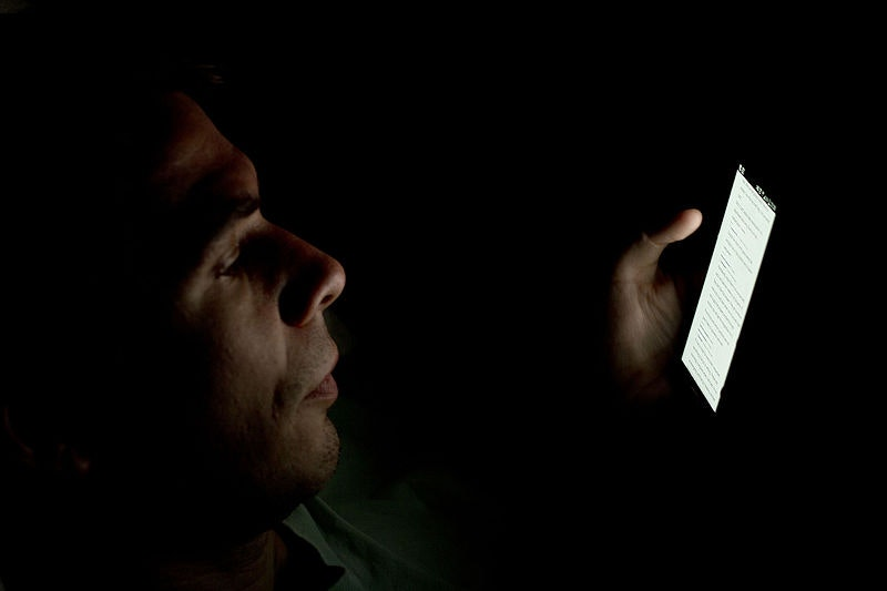 "Harmful Effects of Screens on Sleep Are ""Easily Reversed"" in New Experiment"