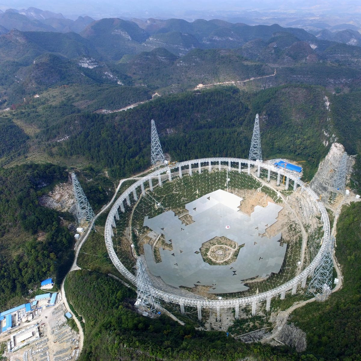 China Has Built the World's Largest Alien-Hunting Telescope