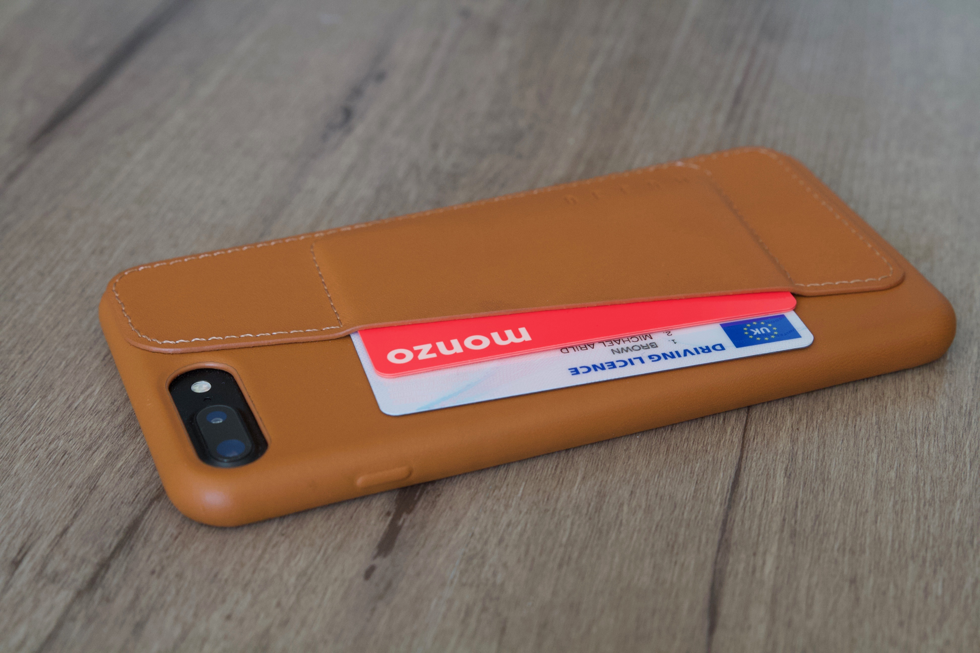 Seven Days With Mujjo's Gorgeous Leather Wallet Case for