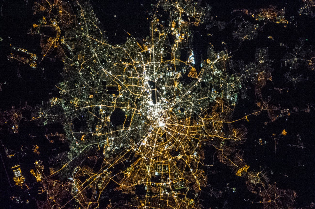 berlin west east light