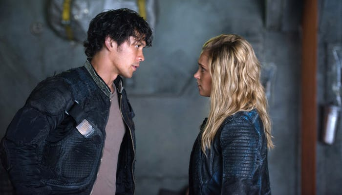 Bob Morley and Eliza Taylor as Bellamy Blake and Clarke Griffin in 'The 100' Season 4