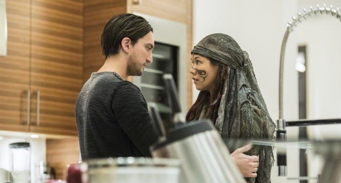 Murphy and Emori in 'The 100' Season 4