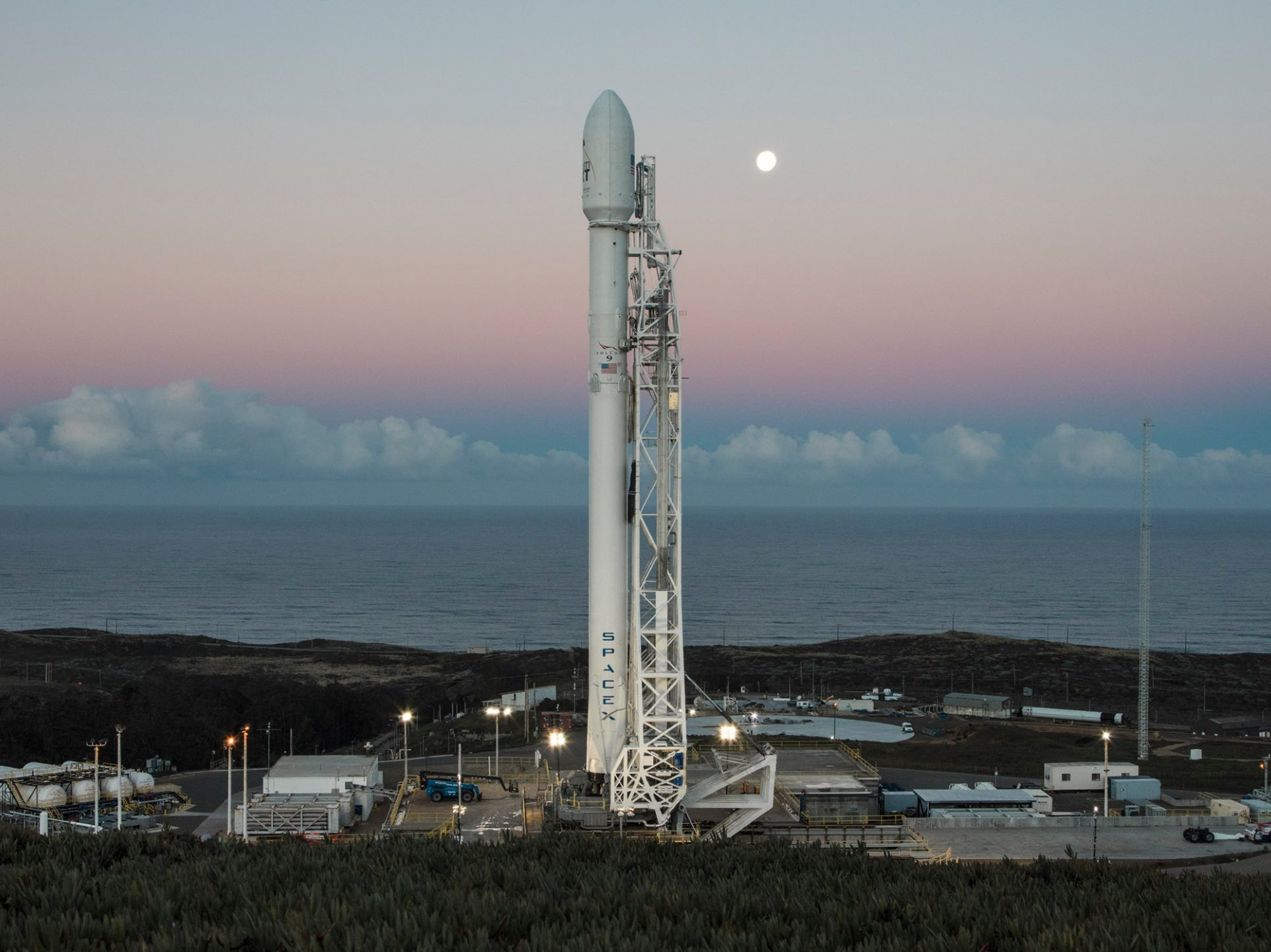 SpaceX posted a picture of its Falcon 9 rocket, which will launch Saturday and deliver satellites for satellite communication company Iridium.