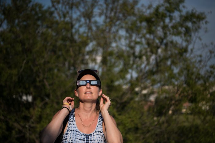 How to know if you burned your eyes during the eclipse for What happens if you don t wear solar eclipse glasses