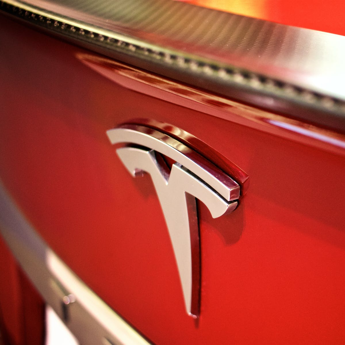 Tesla Pickup Truck: Elon Musk Says Higher Priority Than Semi and Roadster