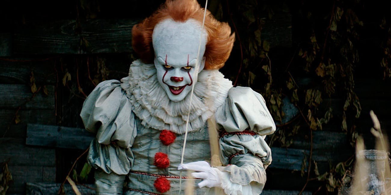it movie review pennywise the clown is terrifying but it is