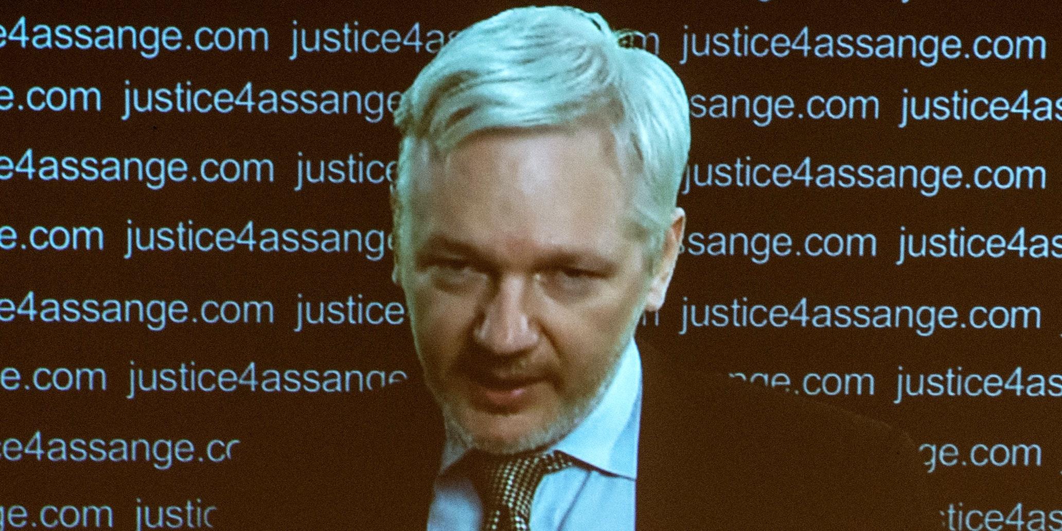 Look Inside My Pussy Un Wikileaks Founder Julian Assange Illegally Detained By U K Sweden