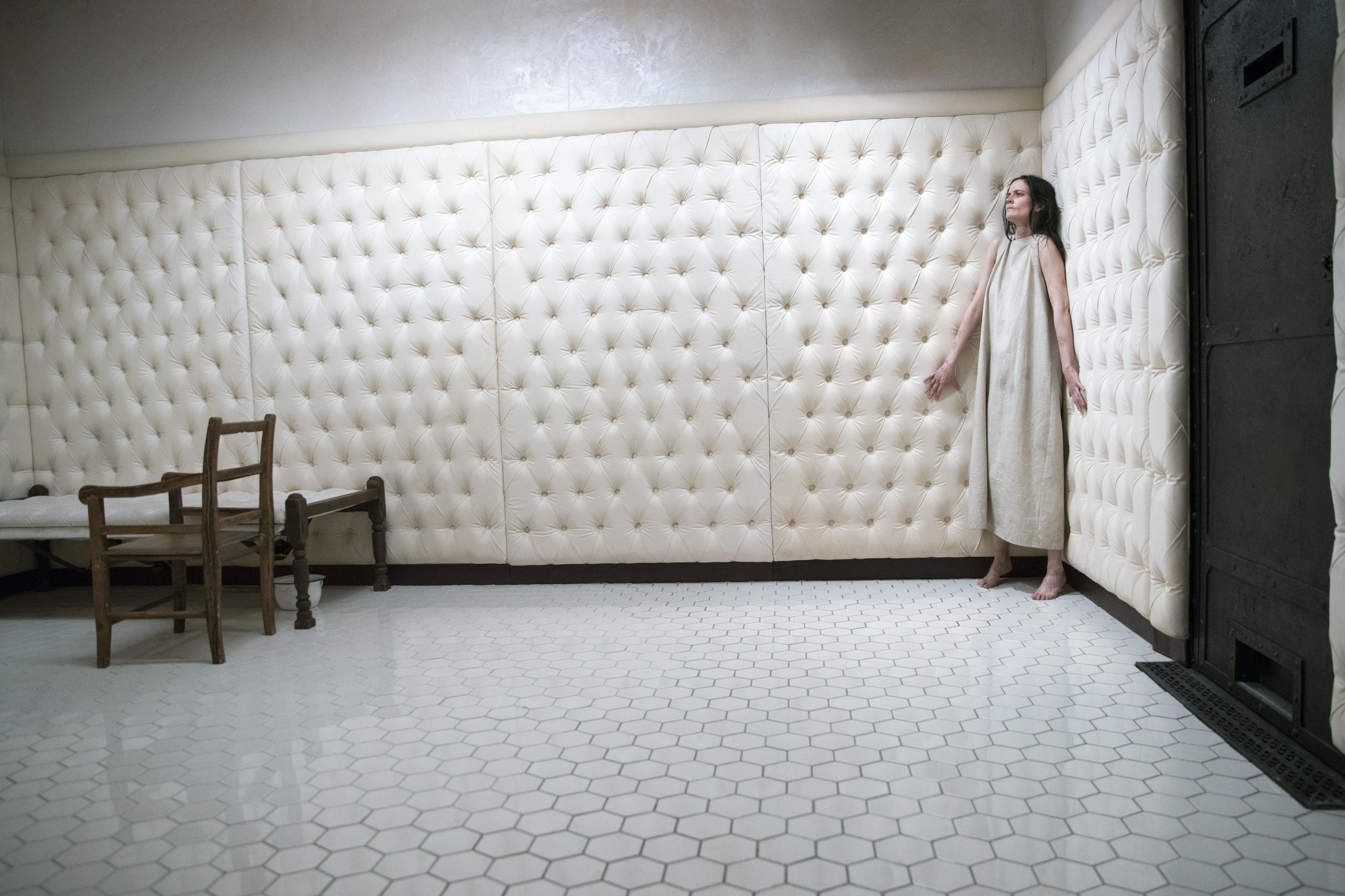 Straitjacket White Room