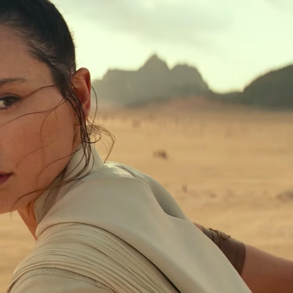 'Rise of Skywalker' reshoots made an obvious plot hole even worse