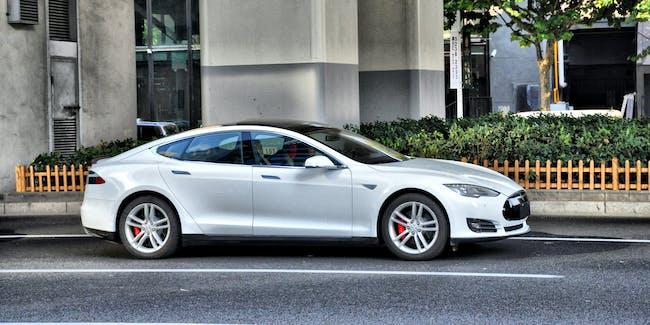 TESLA Model S_3