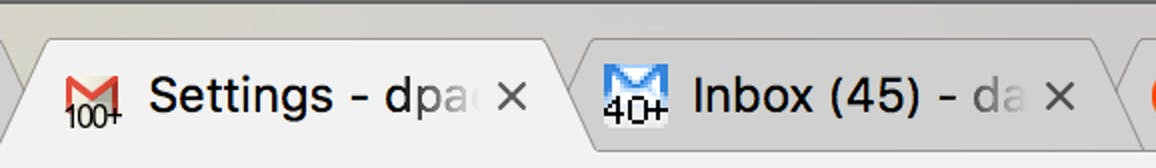 """Both of the Gmail logos with """"Unread message icon"""" enabled."""