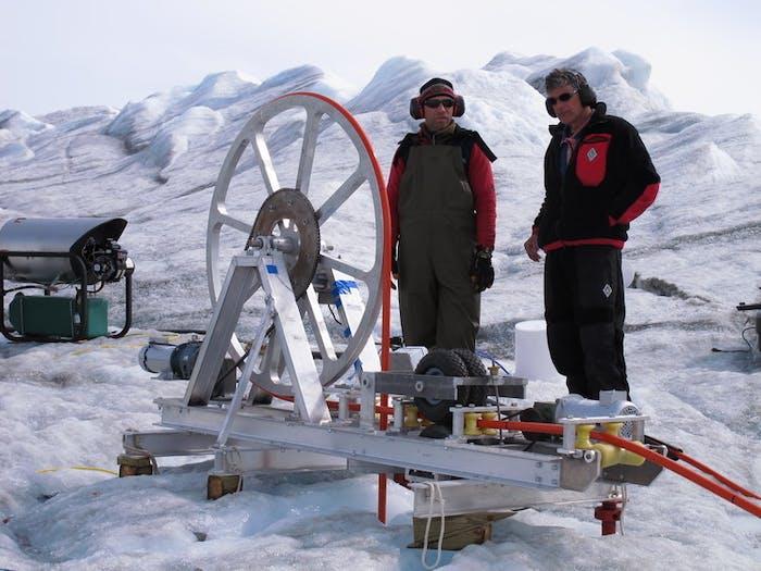 Joel Harper (Univ. of Montana) and Neil Humphrey (Univ. of Wyoming) operate the hot water drill.