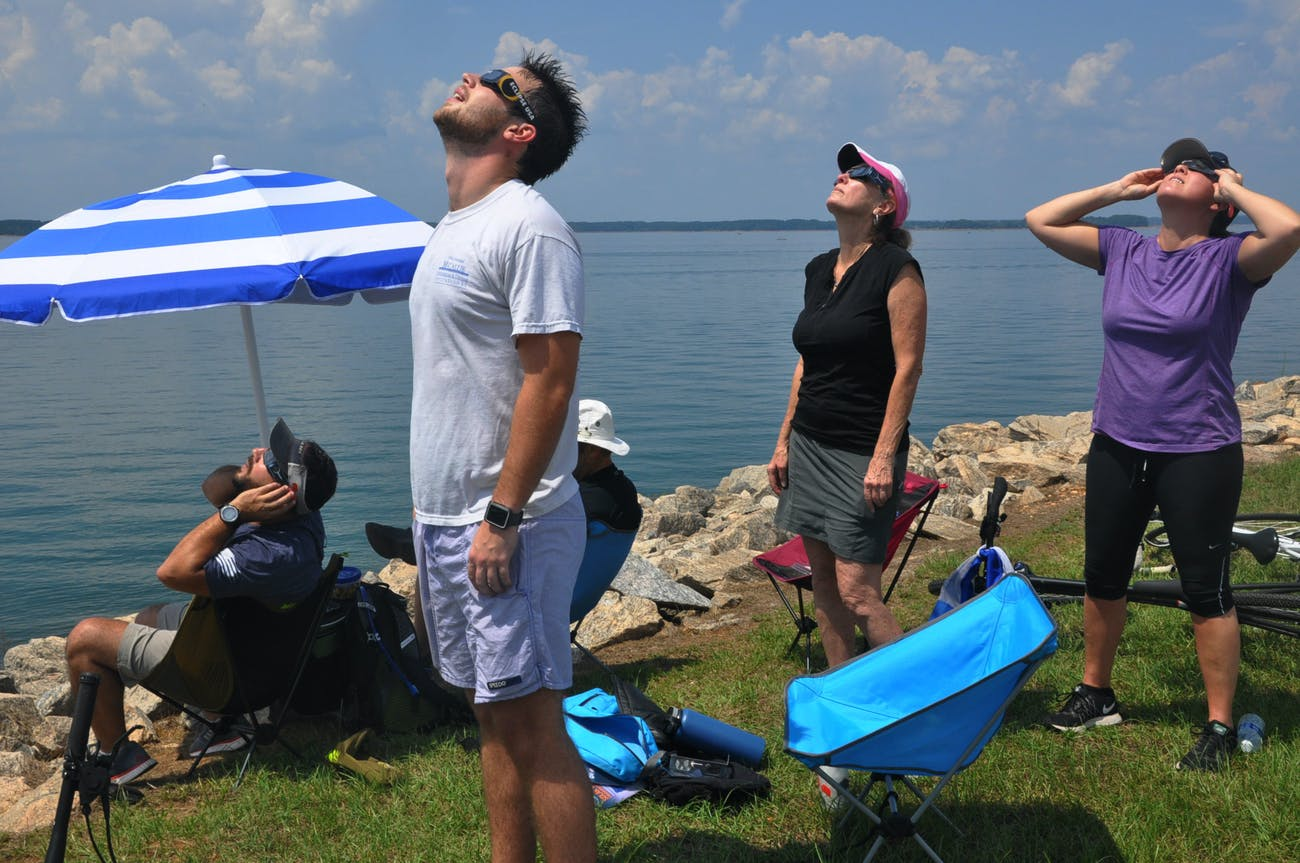 Total solar eclipse passes directly over Hartwell Dam