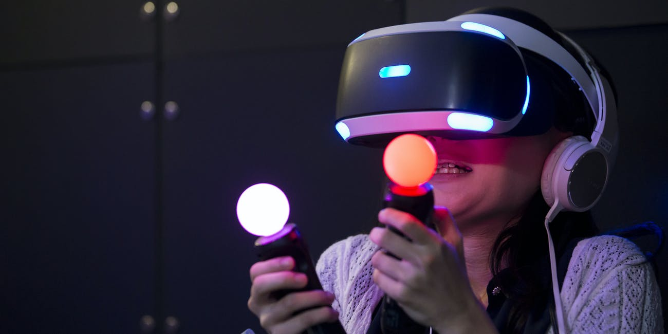 Why PlayStation 4 Fans are Annoyed at PlayStation VR | Inverse