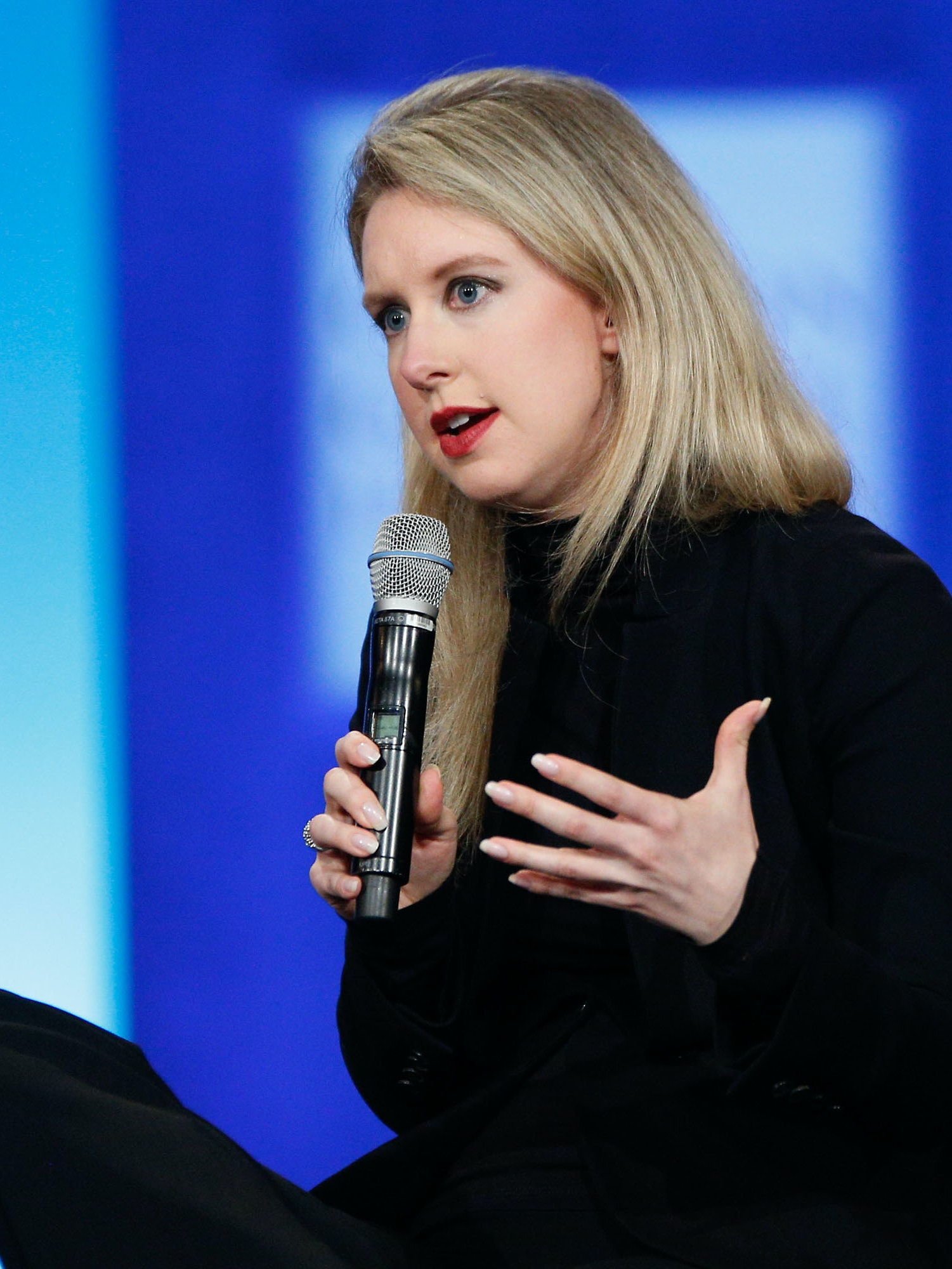 Billion Auto Clinton >> Theranos Shut Down Its Blood Testing Lab After Failed Inspection | Inverse