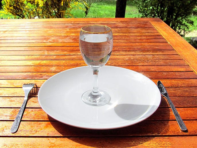 """Fasting Appears to Reset """"Crucial"""" Clock on Aging-Related Diseases"""