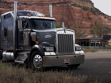 Uber Freight and Amazon Prepare to Fight Over Future-Trucking