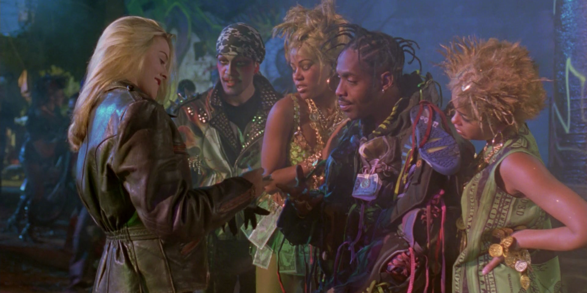 Lost 'Batman' Movie Would've Paired Coolio's Scarecrow With Harley