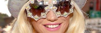 ke$ha kesha smile glasses teeth