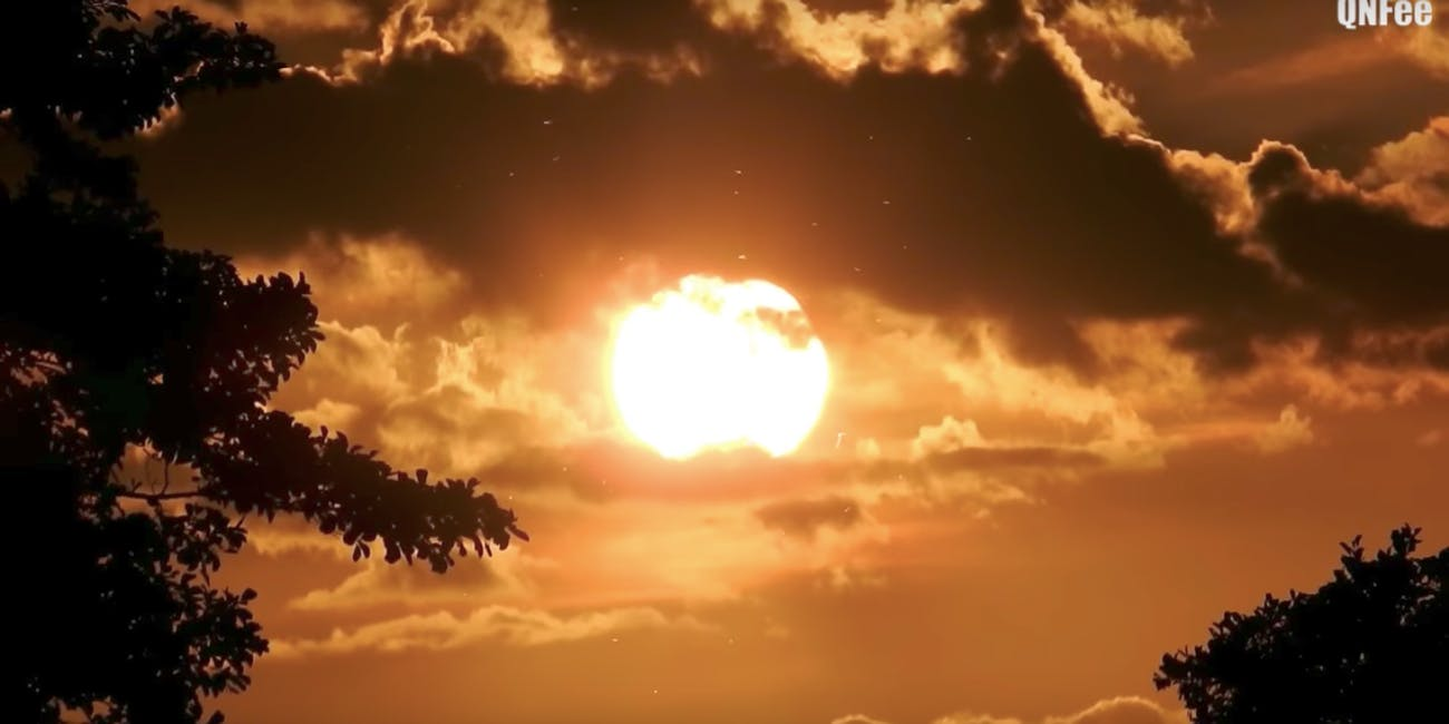 Flat earth sun set among clouds close proof video