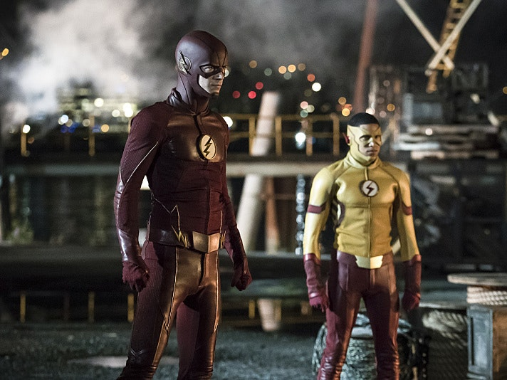 New 'Flash' Photos Prove Barry Still Has Speed In Flashpoint