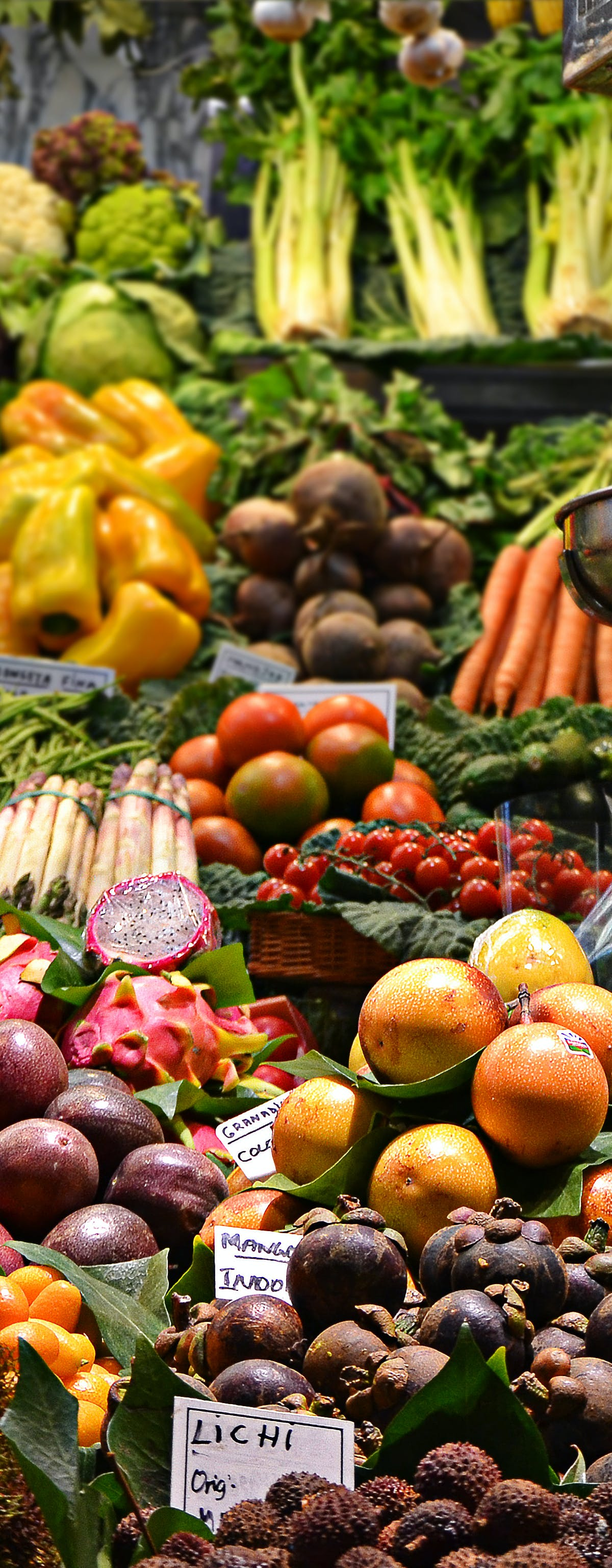 Is It Healthier to Follow a Vegetarian Diet? Here's What Five Experts Said