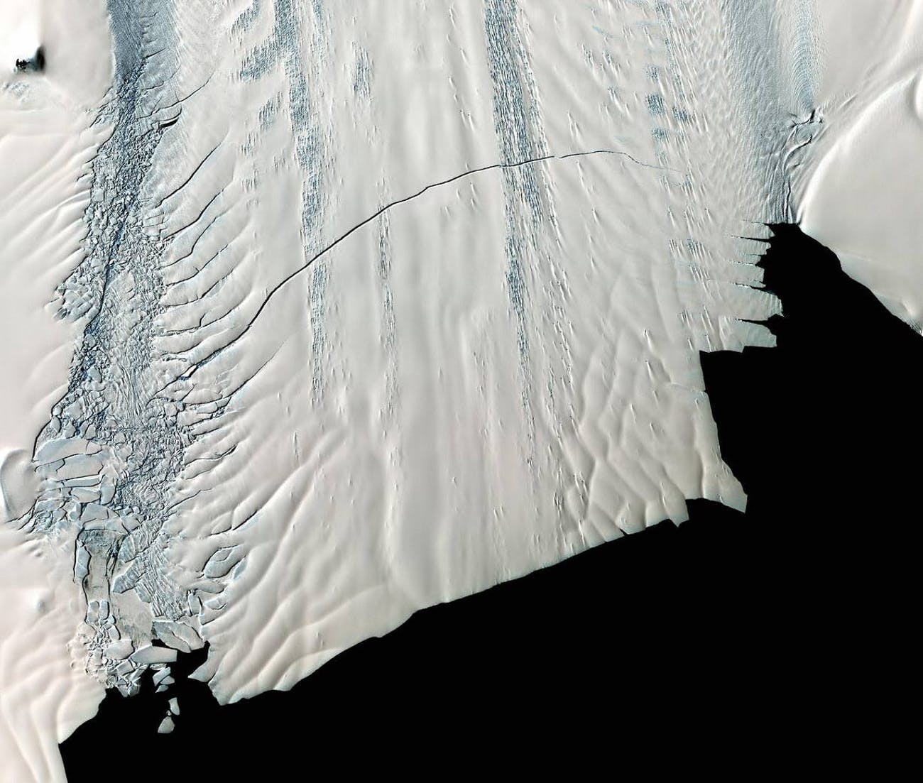 pine island glacier crack