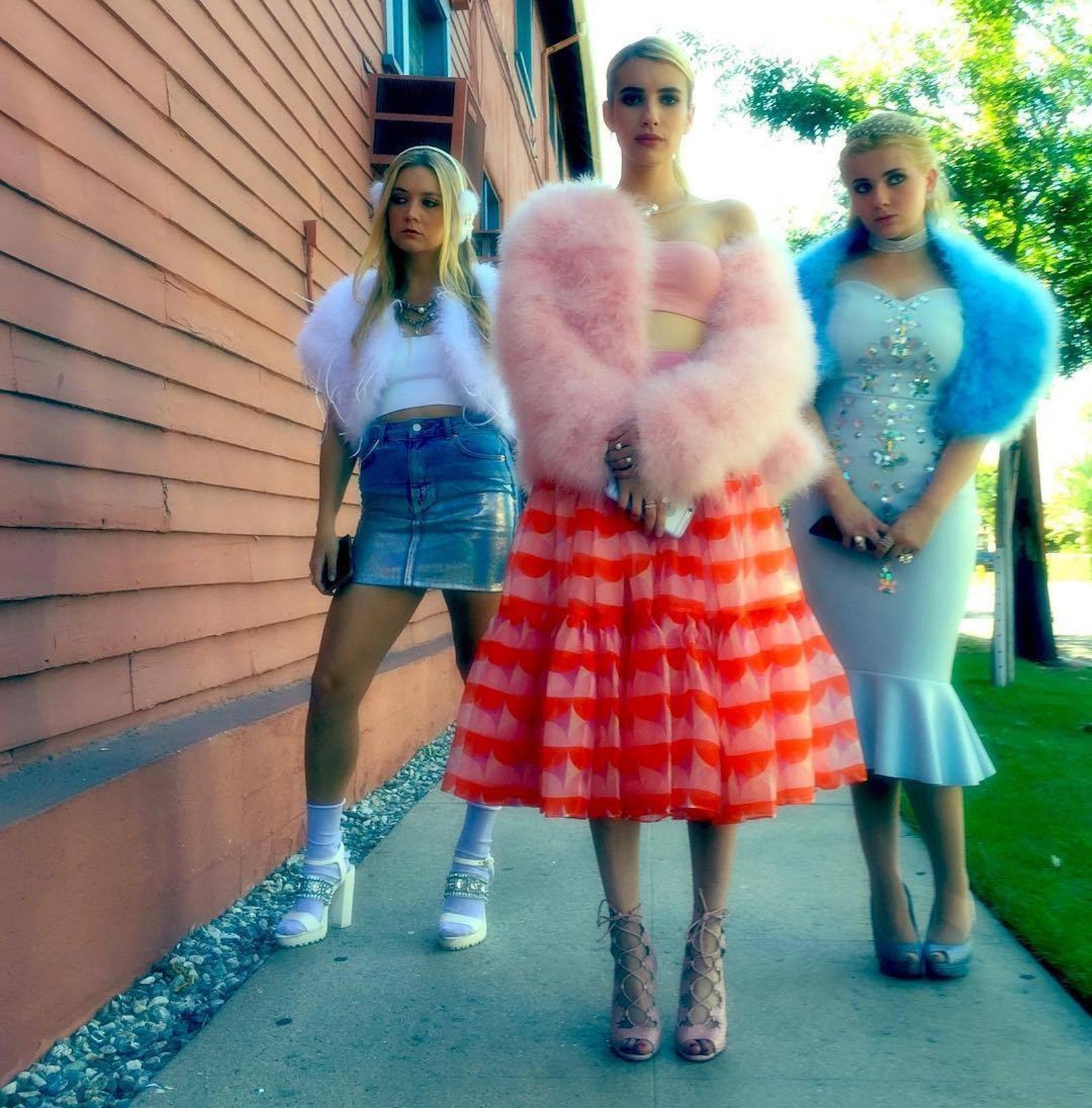 Billie Lourd, Emma Roberts, and Abigail Breslin