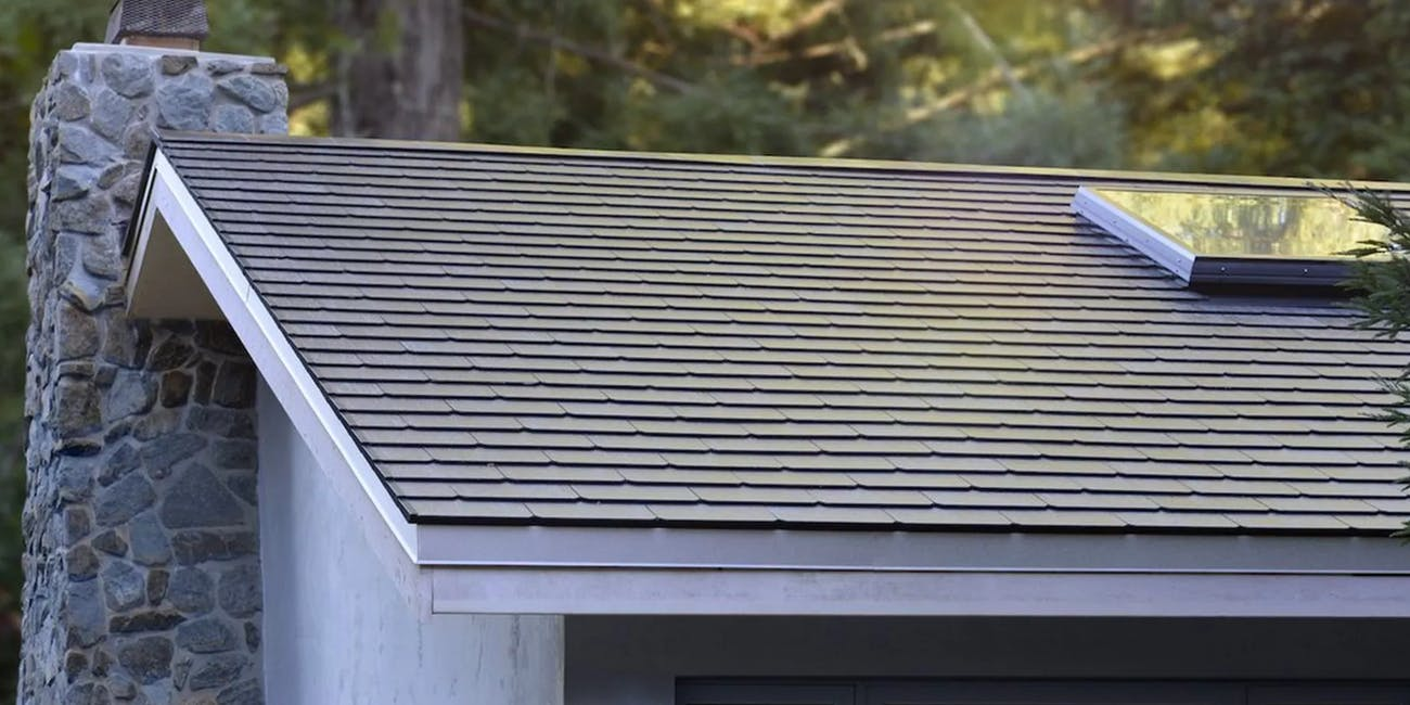 Solar Roof Tiles Cost >> Tesla Solar Roof How The Price Stacks Up Against Energy Savings