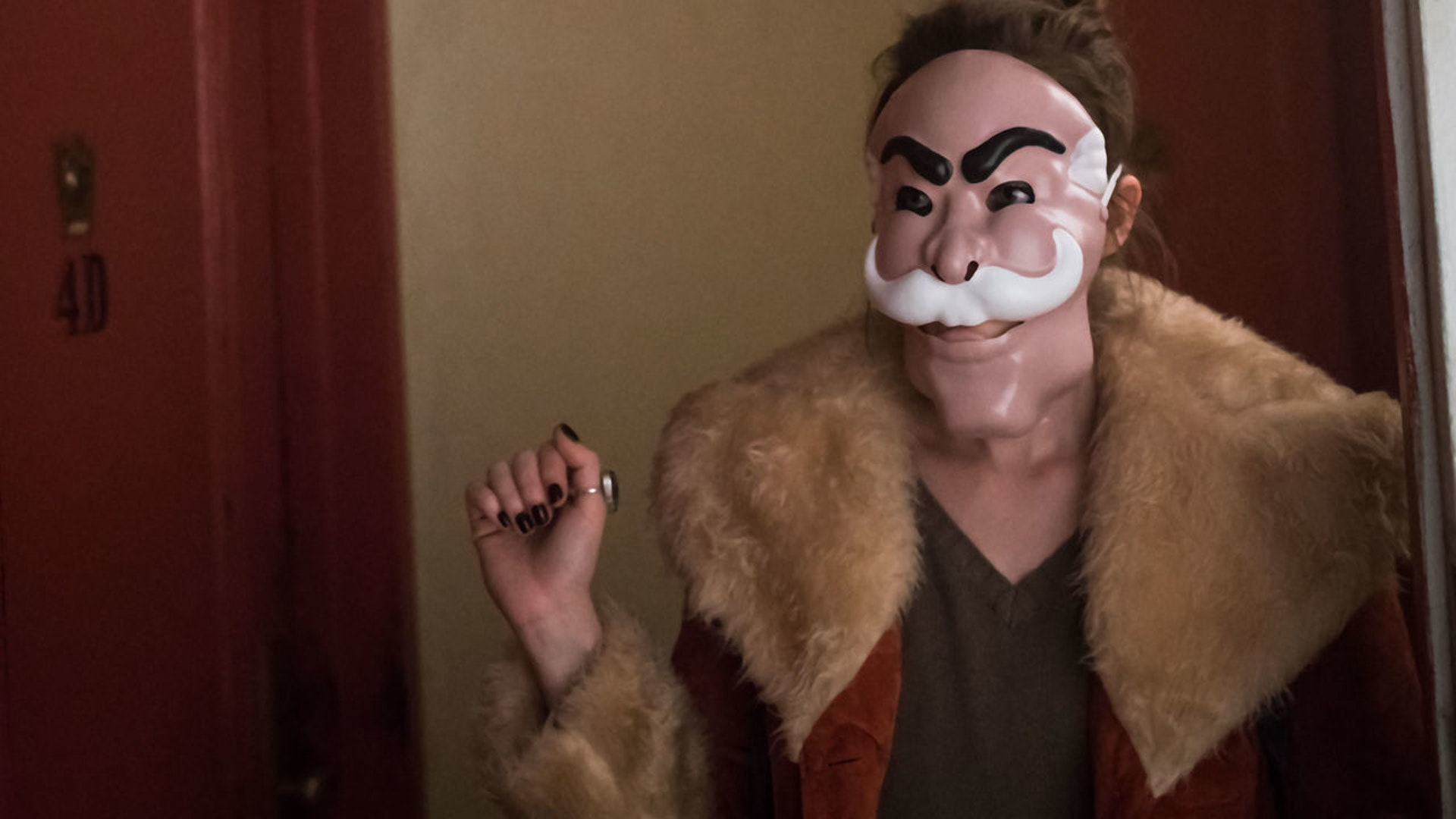 This week's 'Mr. Robot' begins with a flashback to one Halloween night when Darlene (Carly Chaikan) finds a cheap mask from a horror movie she and Elliot loved as kids -- and the beginning of fsociety.