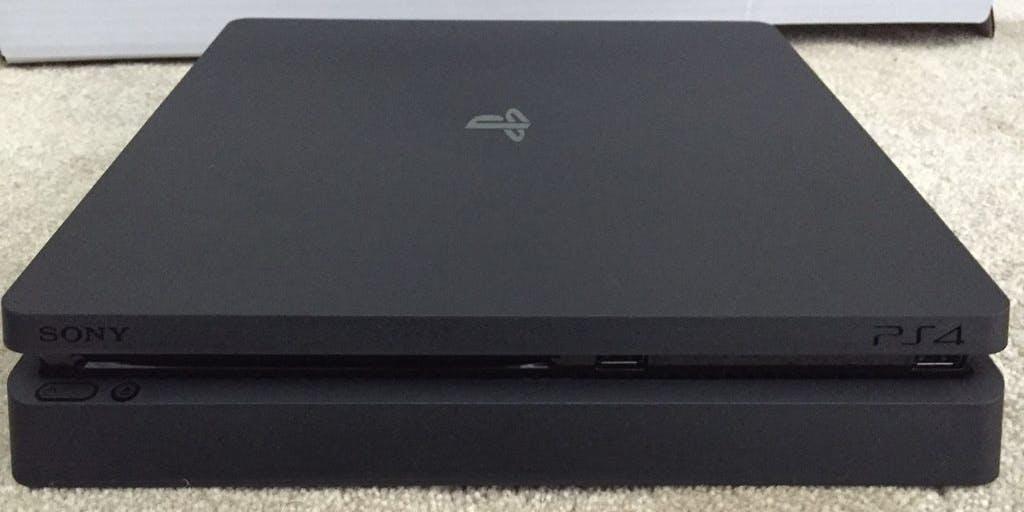 """Playstation 4 """"Slim"""""""