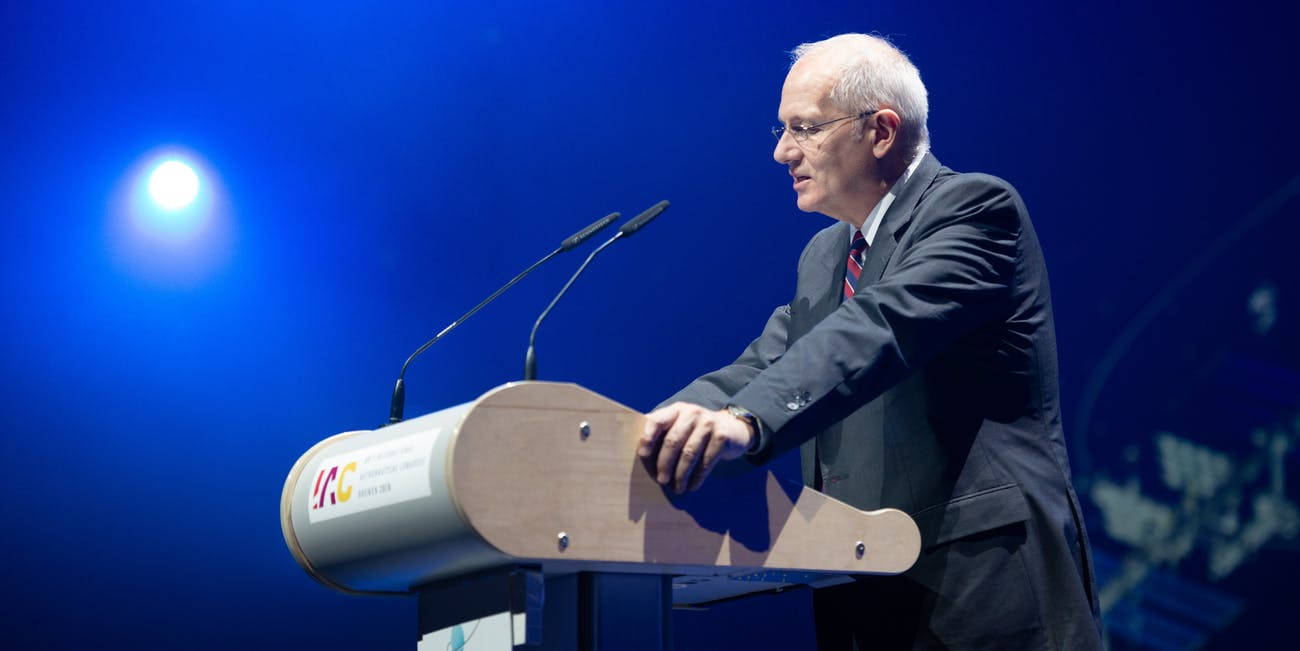 President of the IAF, Jean-Yves Le Gall, opens Public Day.