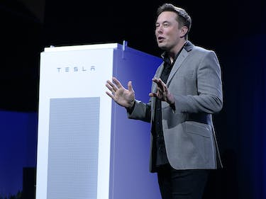 Tesla Eyes the Largest Battery Storage Project in the World