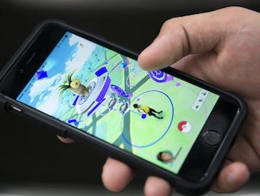 New 'Pokemon GO' Update Reveals Apple Watch Version Is Near