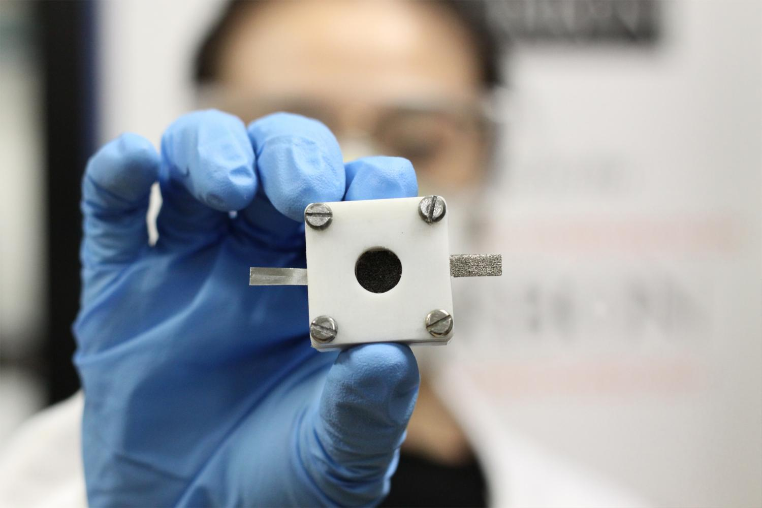 USYD Develops Re-Chargeable Zinc-Air Batteries