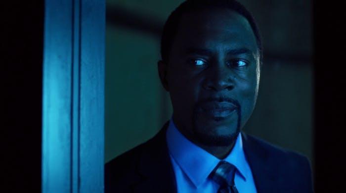 Richard Brooks plays Warden Wolfe, overseer of Iron Heights prison on 'The Flash'.