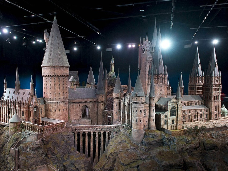 The gigantic Hogwarts miniature