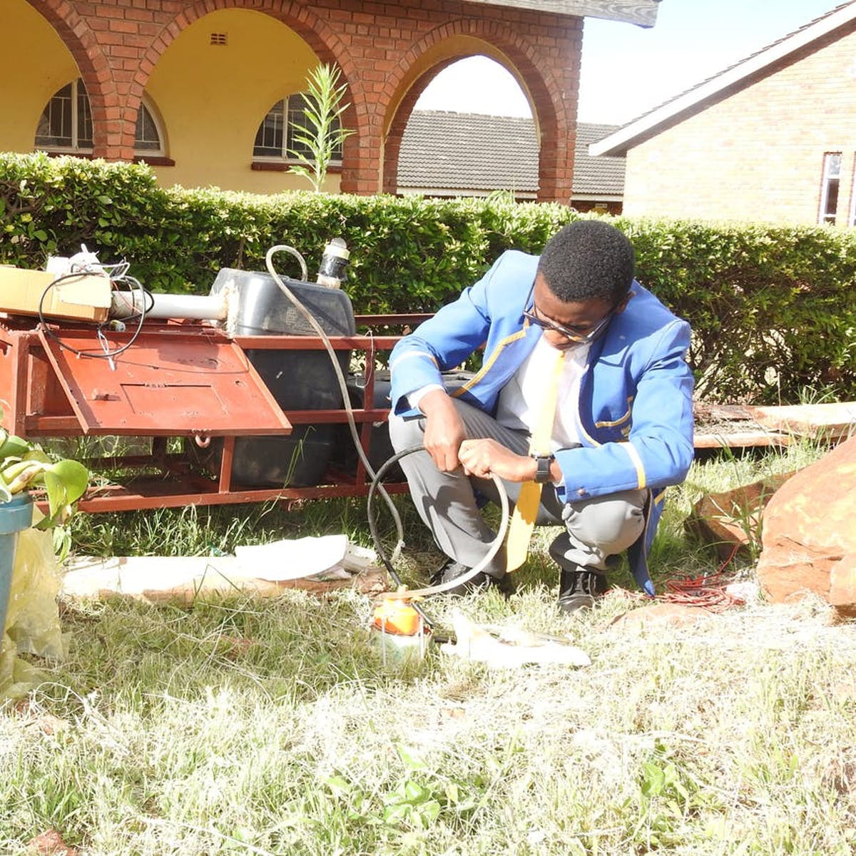 Zimbabwe Teen Illuminates Rural Homes With Electricity From Household Waste