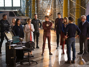 """How the """"Invasion!"""" Crossover Changed the CW's Arrowverse"""