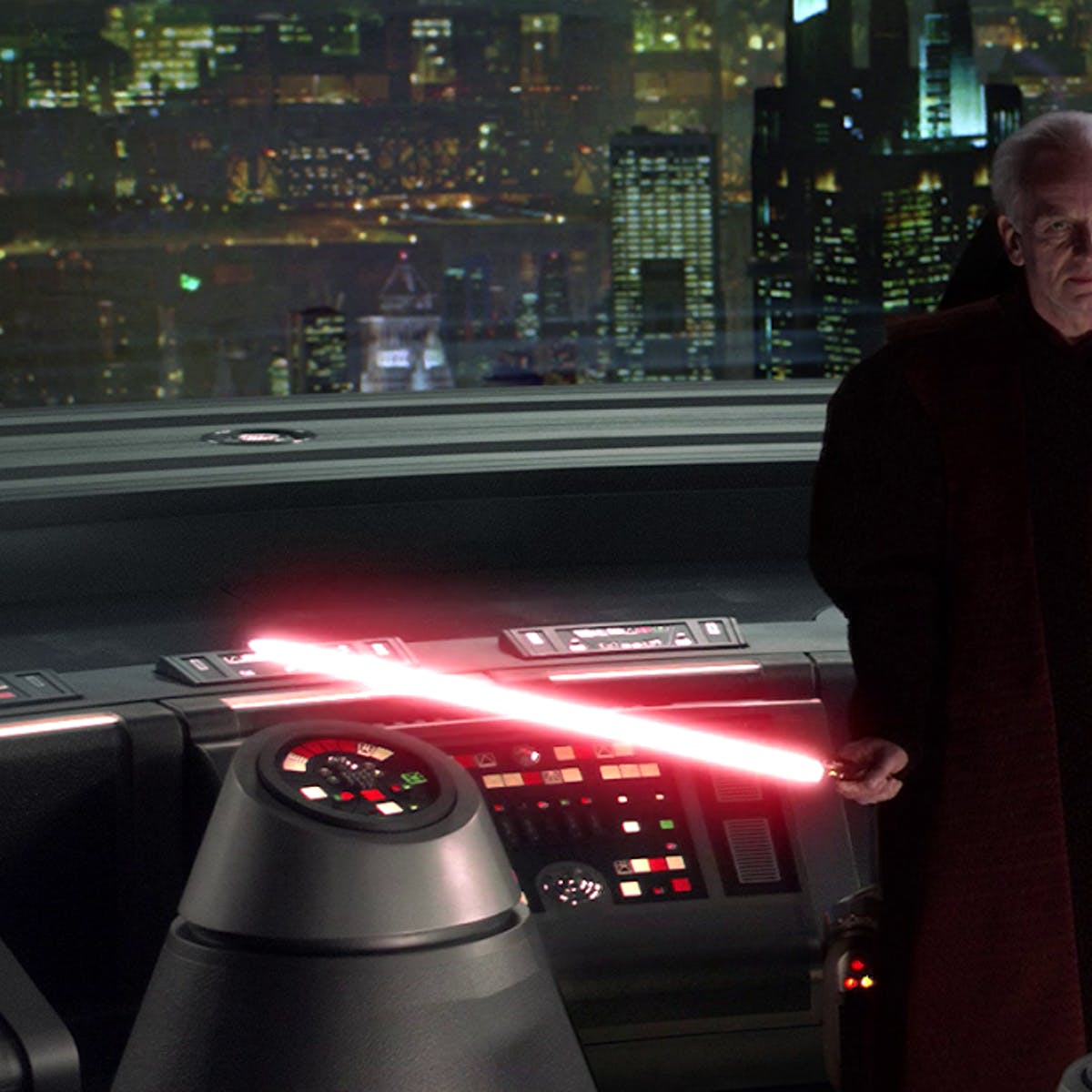 'Star Wars 9' Leaks May Reveal How Palpatine Cheated Death