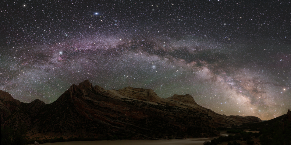 A Third of Humans Can't See the Milky Way Because of Light Pollution