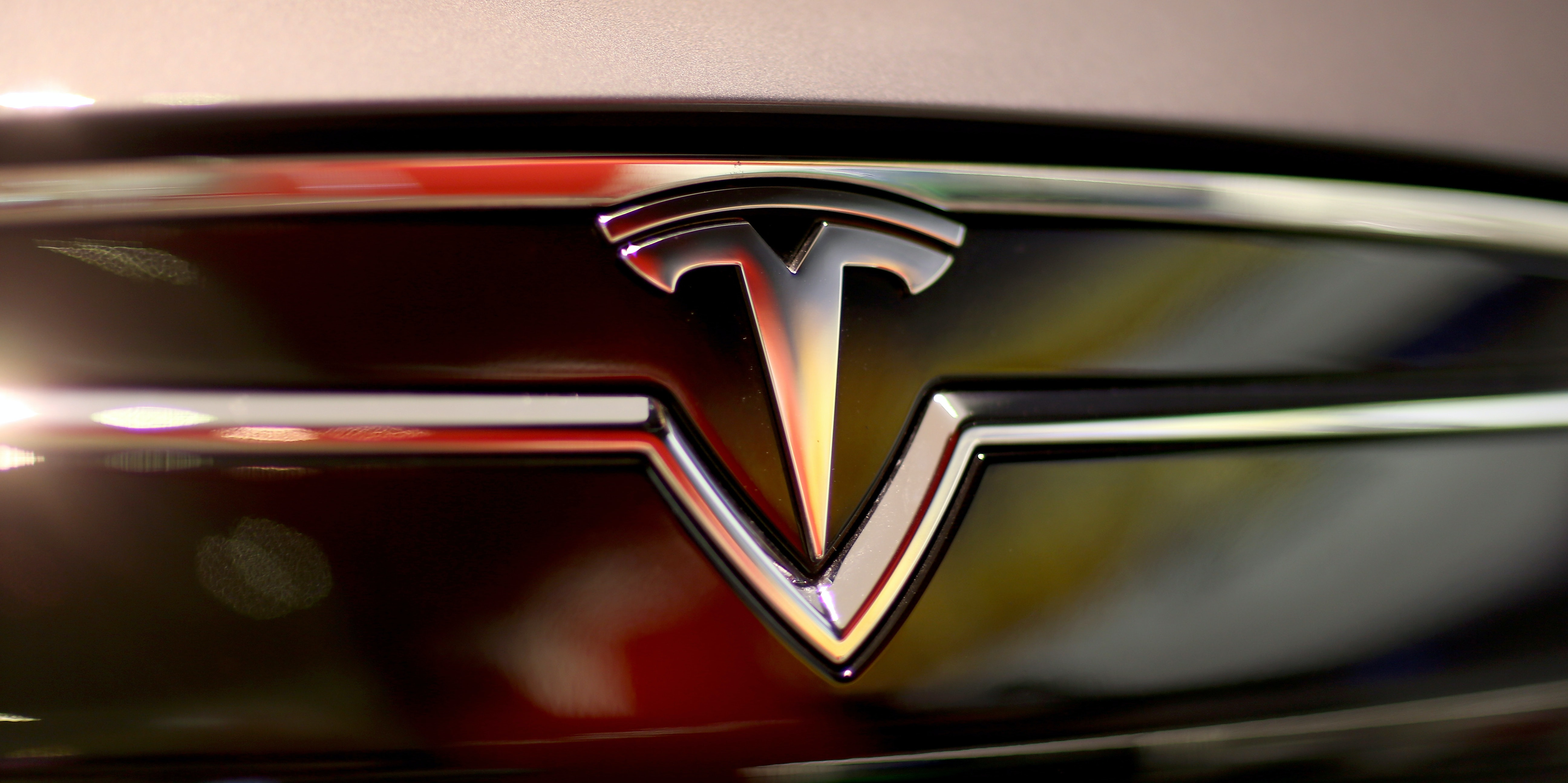 Tesla Just Rolled Out Its Autopilot Update to All HW2 Cars